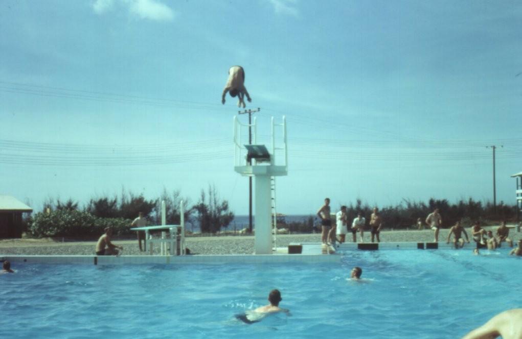 harold holt memorial swimming centre. Black Bedroom Furniture Sets. Home Design Ideas